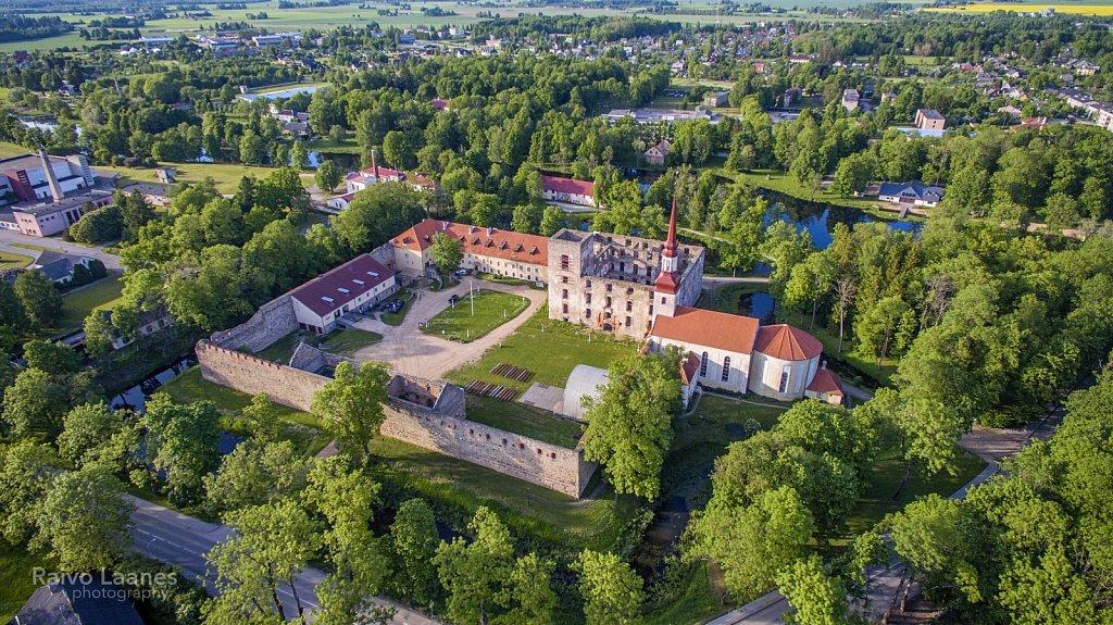 Põltsamaa lossihoov 4
